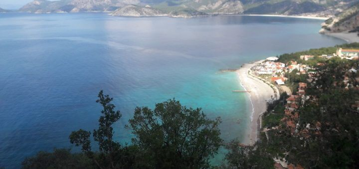 Oludeniz Faralya arasında manzara- Oteller