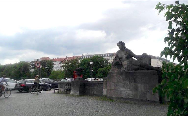 monument statue isar river munich