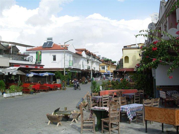dalyan town cafes autumn