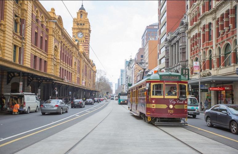 flinders tram melbourne city