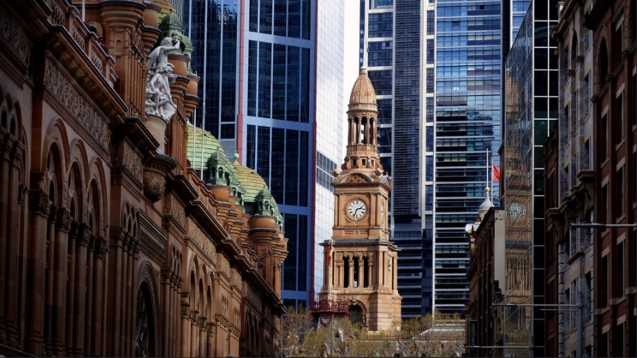 clock tower of town hall sydney