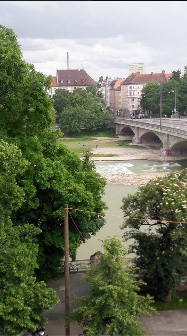 isar room view munich munchen
